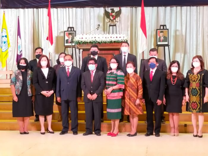 Institut Injil Indonesia Lantik Rektor Baru